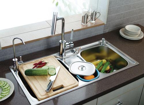 有溢水口设计的水槽是厨房乃至家居生活安全的保障